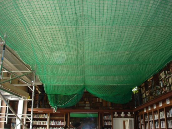 A net was put over the ceiling in 2008 to catch any falling plasterwork