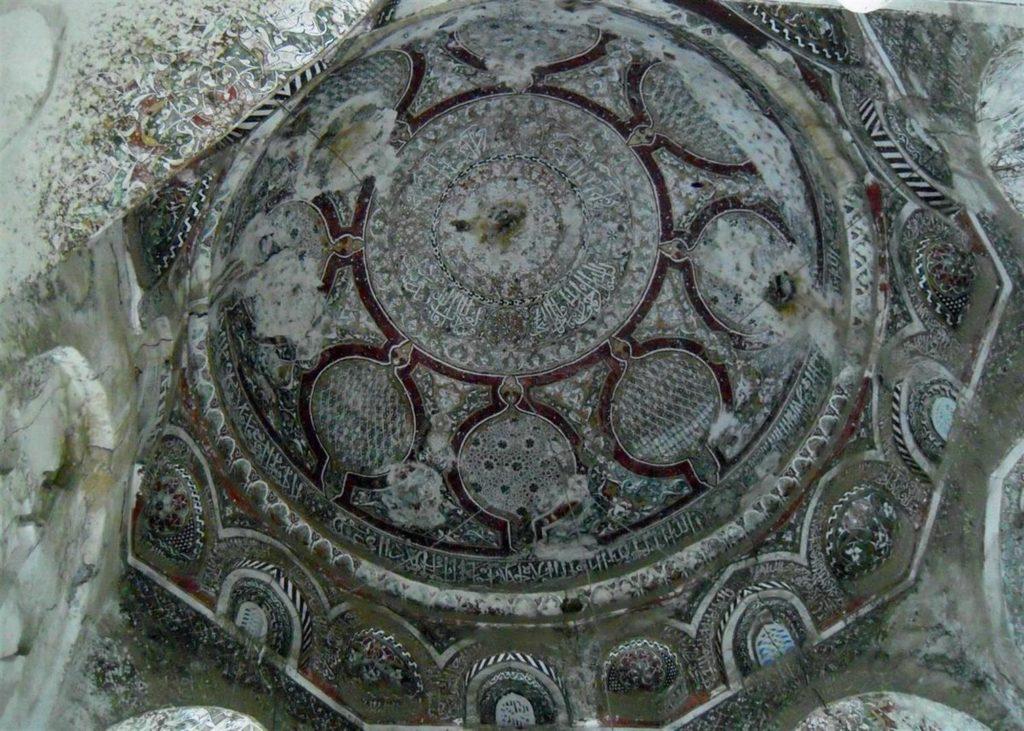 Al Mudafar mosque, painted dome in Old City of Ta'izz, Yemen